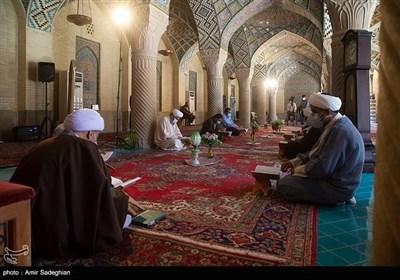 عنوان مراسم ترتیل خوانی و تفسیر قرآن کریم در مسجد نصیرالملک
