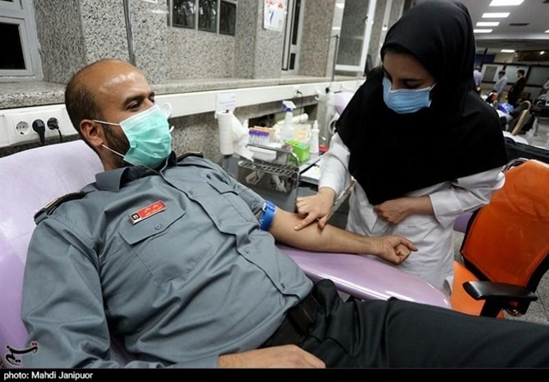 نذر خون آتشنشانان اصفهانی در ماه مبارک رمضان + فیلم