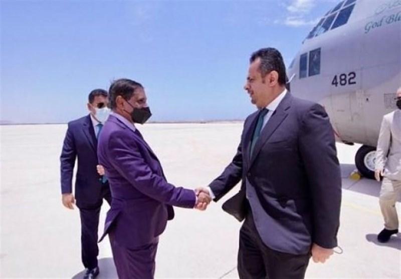 ممانعت امارات از ورود وزیران «هادی» به «حضرموت»/جنگندههای سعودی به خودی هم رحم نمیکنند