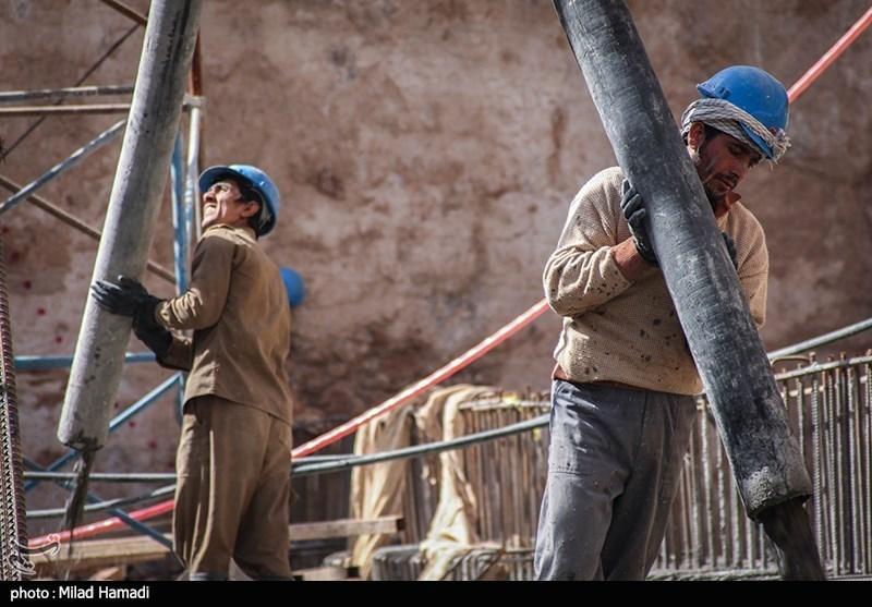 افزایش حقوق ۱۴۰۰ با گرانیها از بین رفت/ حقوق کارگران حدود ۷میلیون تومان با خط فقر فاصله دارد