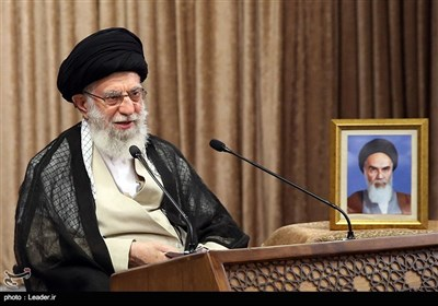 پاسخ آیتالله خامنهای به استفتائی درباره حکم شرکت در انتخابات و انتقاد نامزدها از عملکرد مسئولان