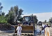 بازسازی مناطق سیلزده بلوچستان| ساختوساز راههای روستایی متوقف و یا کند شد + فیلم
