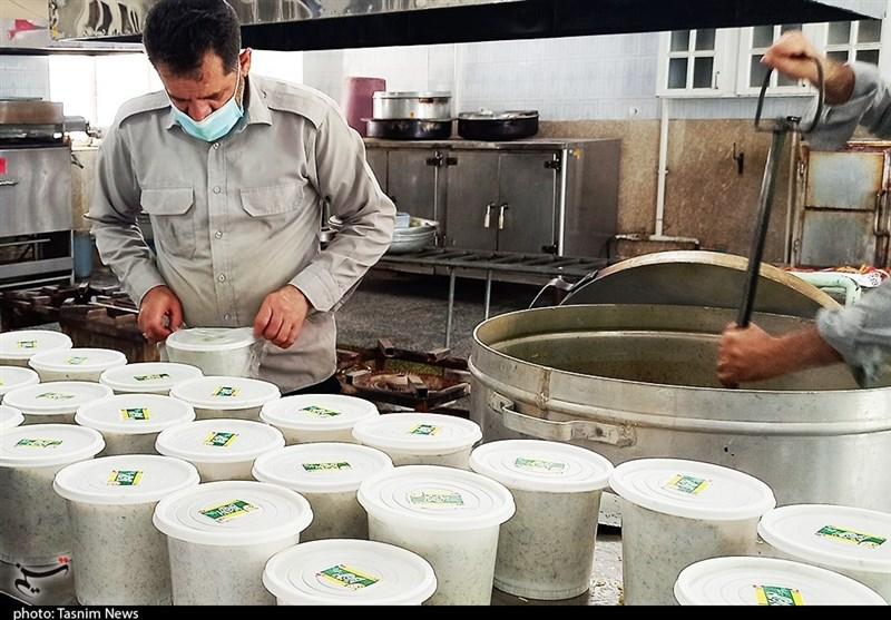 پخت و توزیع 2 هزار افطاری توسط دانشجویان چهارمحال و بختیاری + تصاویر