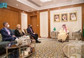 دیدار مشاور وزیر خارجه آمریکا با وزیر خارجه سعودی در ریاض