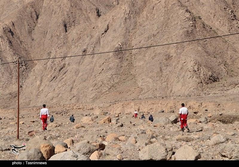 سیل در بیاضیه/ 4 نفر دچار حادثه شدند/ عملیات جستجو و نجات یک مفقودی دیگر توسط نیروهای امدادی هلالاحمر یزد ادامه دارد