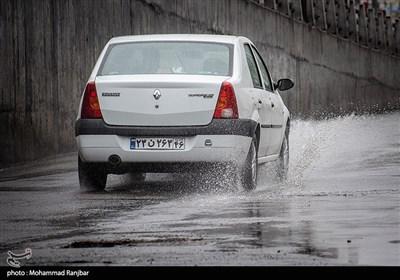 بارش باران در رشت- عکس استانها تسنیم