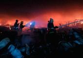 وقوع آتشسوزی بزرگ در مرکز بغداد/ اعزام 30 تیم اطفای حریق برای مهار آتش