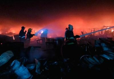 وقوع آتشسوزی بزرگ در مرکز بغداد/ اعزام ۳۰ تیم اطفای حریق برای مهار آتش