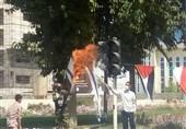 پرچم رژیم صهیونیستی در میدانهای قدس شهرهای استان بوشهر به آتش کشیده شد