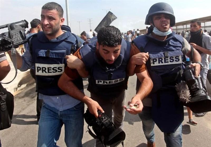 خبرنگاران فلسطینی؛ زخمی از اسرائیل اما در صف نخست مبارزه با اشغالگران/ کزارش اختصاصی
