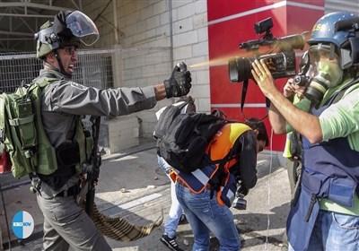 متى یکف المجتمع الدولی رصاص الاحتلال الصهیونی عن صدور الصحافیین الفلسطینیین