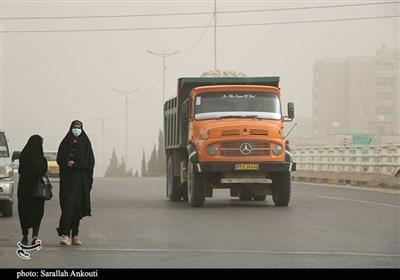 جولان گرد و غبار در غبارخیزترین استان کشور/ روایت تسنیم از نفس کشیدن در هوای آلوده و خطرناک کرمان