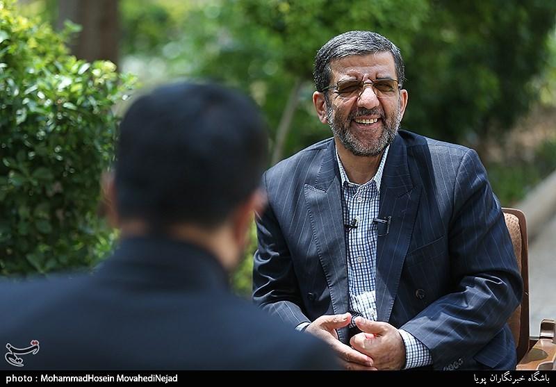 فیلم گفتگوی انتخاباتی با رئیس سابق صداوسیما آقای ضرغامی! شما میخواهید شبیه احمدینژاد باشید؟