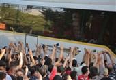 حاشیه دیدار سپاهان - پرسپولیس  شعار هواداران میزبان علیه سرخها/ هشدار کرونایی پیروانی + تصاویر