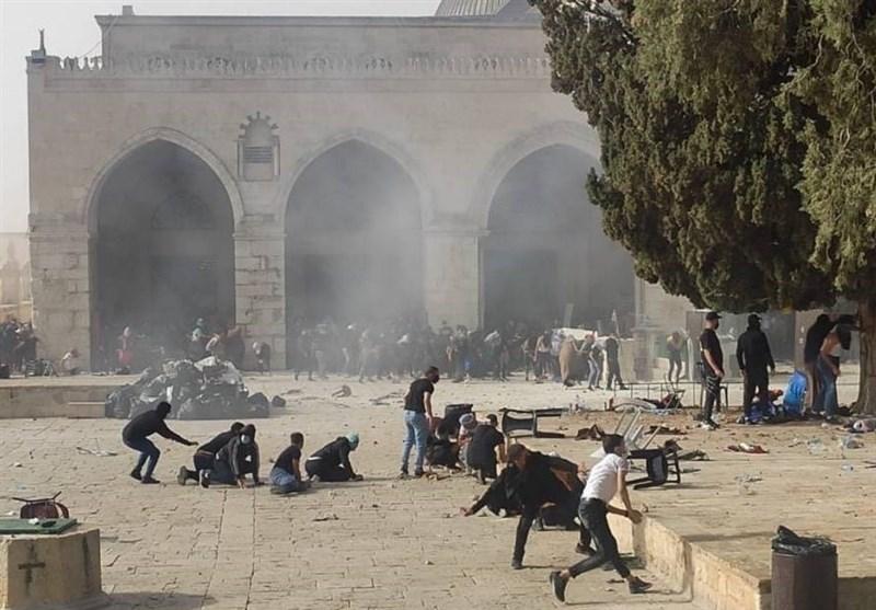 Dozens Injured After Israeli Forces Storm Al-Aqsa Mosque (+Video)