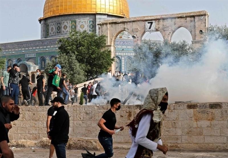 حمله نظامیان صهیونیست به نمازگزاران فلسطینی در مسجدالاقصی