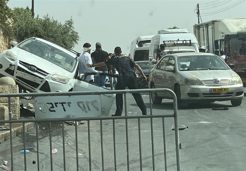 Israeli Driver Rams Palestinian Protester amid ongoing Clashes in Al-Quds (+Video)