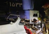 برخورد قطار با خودرو سارقان در شهرری دو مصدوم بر جای گذاشت