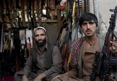 اشپیگل: تشدید نگرانیهای مردم قیمت سلاح در افغانستان را افزایش داده است