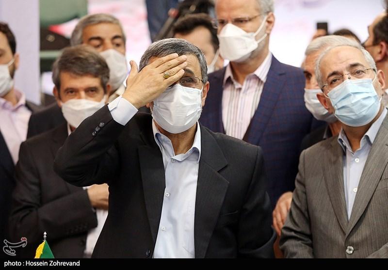 حضور محمود احمدی نژاد در ستاد انتخابات کشور