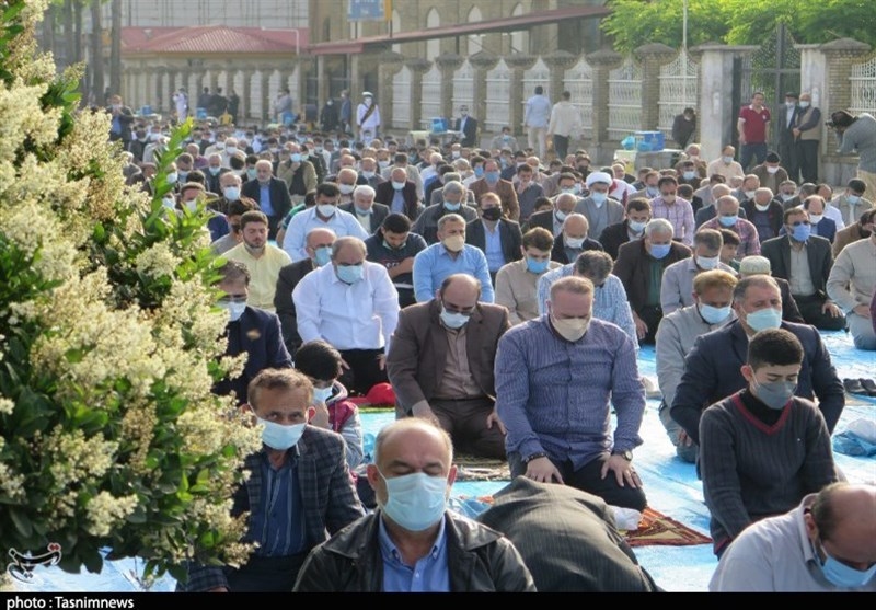 اقامه نماز عید فطر در رشت به روایت تصویر