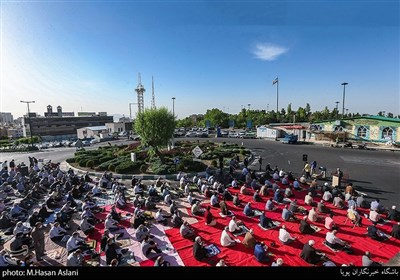نماز عید سعید فطر در میدان بهرود واقع در غرب تهران