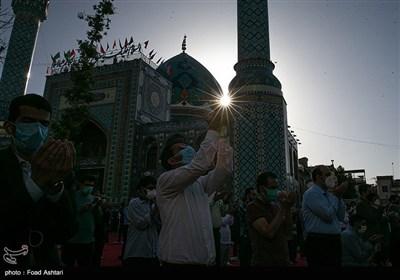 اقامه نماز عید سعید فطر در امامزاده صالح (ع)
