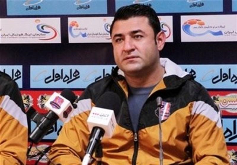 فاضلی: سپاهان تیم پرقدرتی است ولی ما دنبال گرفتن ۳ امتیاز هستیم/ برای خودمان بازی میکنیم نه پرسپولیس