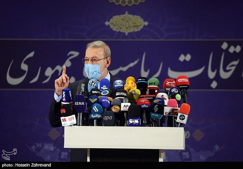 حضور علی لاریجانی در ستاد انتخابات کشور