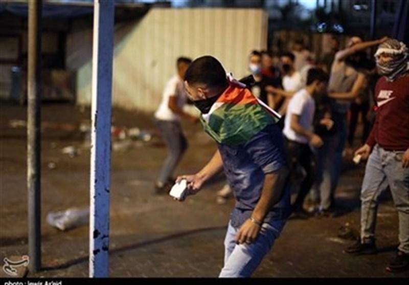 شباب الخلیل ینتفضون دعماً للأقصى وغزة .. نهایة الاحتلال الصهیونی باتت قریبة