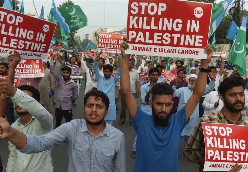 People in Karachi March in Solidarity with Palestinians (+Video)