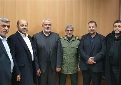 قائد قوة القدس یجری اتصالا هاتفیا مع هنیة بشان اخر التطورات الفلسطینیة