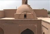 مسجد میبد بعد از 250 سال سر از خاک بیرون آورد / آیا طوفان شن دوباره مسجد را مدفون میکند؟
