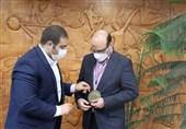 اهدای مدال افتخار IFBB به معاون وزیر ورزش/ علینژاد: میزبانی از مسابقات جهانی 2023 اتفاقی بزرگ است