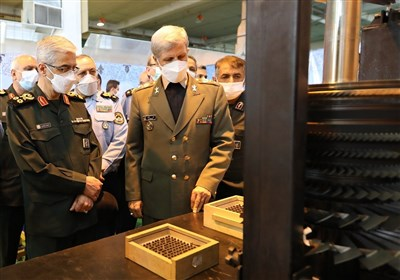 Top General Highlights Iran's Advances in Aircraft Engine Industry