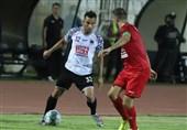 جام حذفی فوتبال| تساوی شاهین و پرسپولیس در نیمه نخست