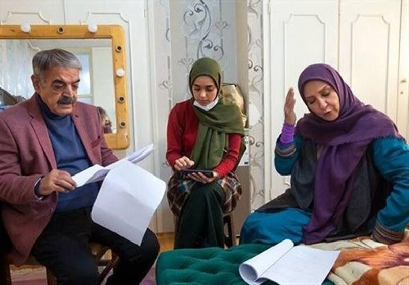 """ظریف و نمکی سوژه ادابازی """"خانواده گلابی"""" در سریال بوتیمار + فیلم"""