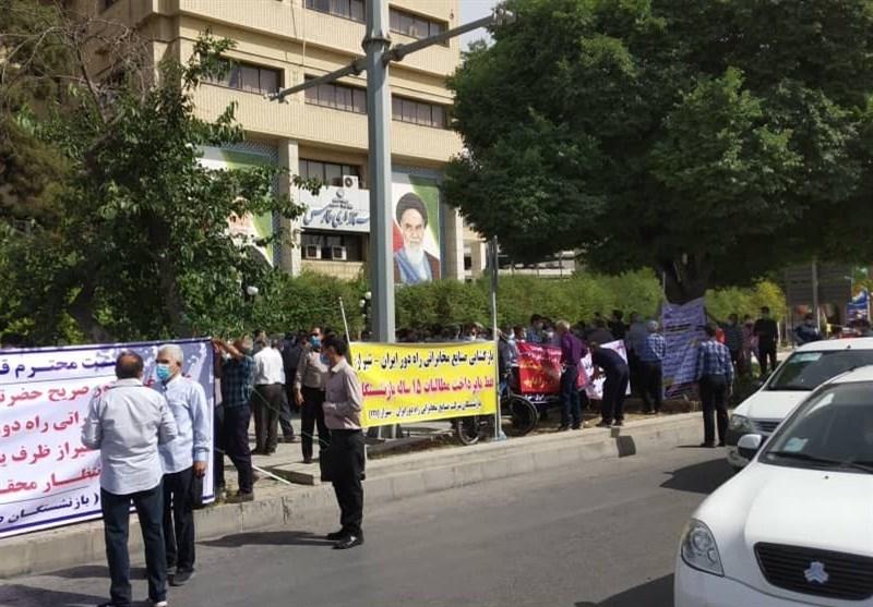 تجمع بازنشستگان کارخانه آیتیآی شیراز برای پرداخت مطالبات / چرا مصوبه عالیترین مقام قضایی اجرایی نمیشود؟ + تصاویر