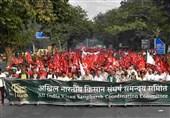کاهش نسبی مبتلایان کرونایی در هند/ ترس مقامات از کشاورزان عصبانی