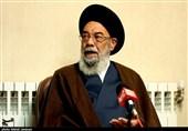 امامجمعه اصفهان: بیتدبیری مدیران عامل مشکلات کشور است