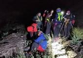 نجات افراد گرفتار شده در ارتفاعات اتوبان تهران ـ شمال + تصاویر