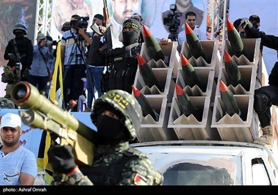 عرض عسکری للمقاومة الفلسطینیة فی غزة