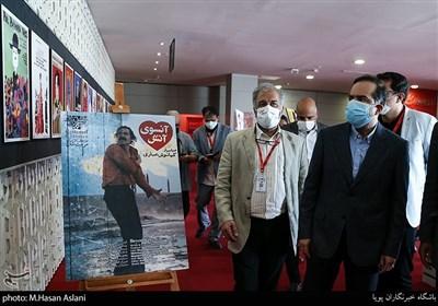 بازدید دکتر حسین انتظامی از ششمین روز سیوهشتمین جشنواره جهانی فیلم فجر در پردیس سینمایی چارسو