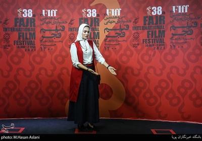 الهام موسوی بازیگر در ششمین روز سیوهشتمین جشنواره جهانی فیلم فجر در پردیس سینمایی چارسو