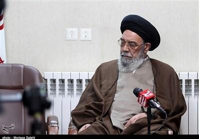 امامجمعه اصفهان: «مساجد» کانون خدمت به جامعه اسلامی است