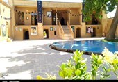 بیت تاریخی امام (ره) در خمین سیاهپوش شد + عکس