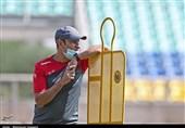 گلمحمدی: بازیکنانم از خودگذشتگی کردند اما آنها هم ظرفیتی دارند/ به هر سازی که سازمان لیگ زد، رقصیدیم!