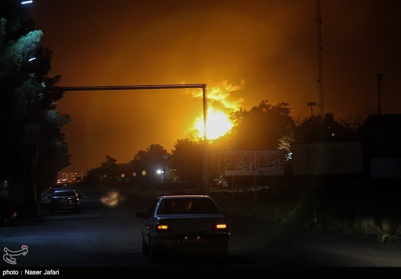 کاهش شدت آتشسوزی در مخازن پالایشگاه تهران