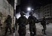 یورش نظامیان صهیونیست به مناطق مختلف کرانه باختری