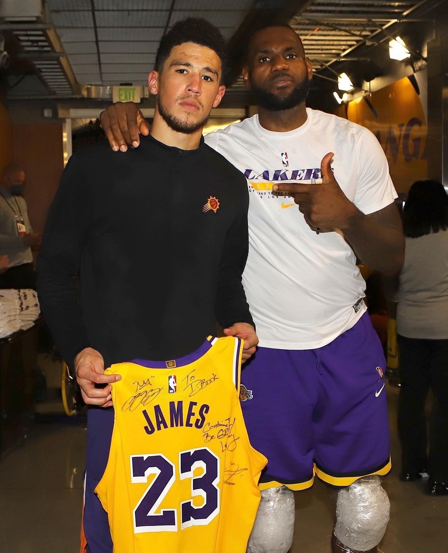 لیگ NBA , عربستان سعودی , تیم بسکتبال لس آنجلس لیکرز , لبران ریمون جیمز ,